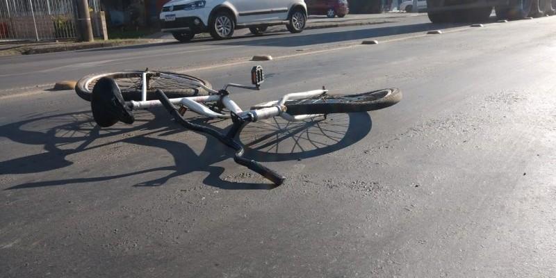 Ciclista morre atropelada por ônibus na avenida Universitária em Criciúma