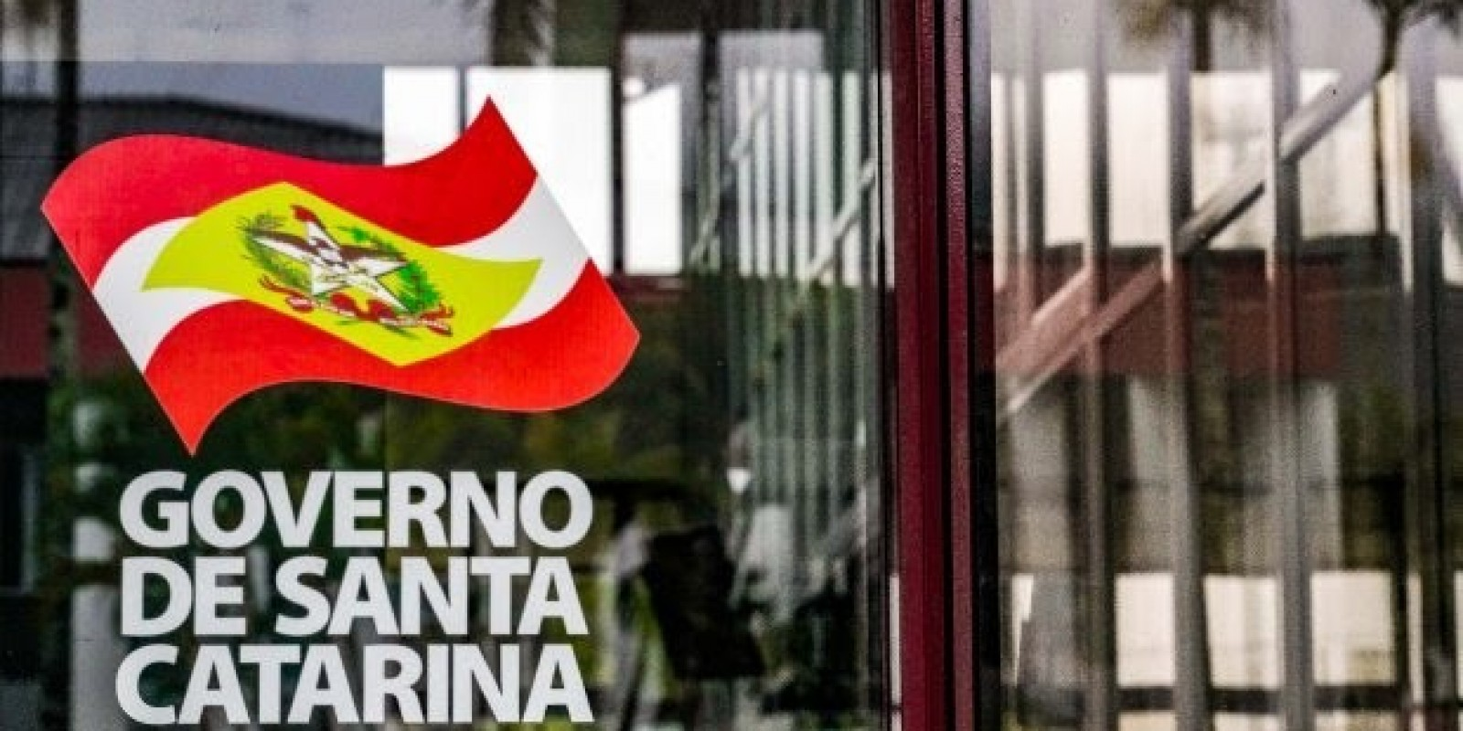 Governo paga primeira parcela do 13º salário ao funcionalismo público estadual