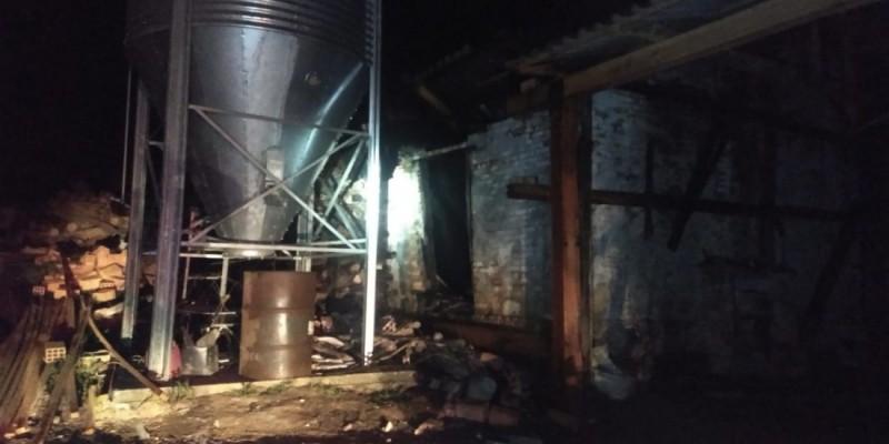Incêndio em estufa provoca prejuízo de R$ 20 mil em Lauro Müller