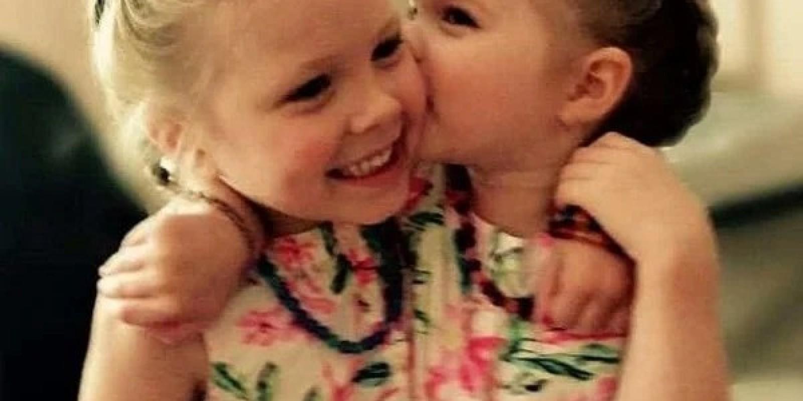 Internacional: Psicóloga mata filhas gêmeas a tiros enquanto dormiam