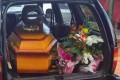 Bebês mortos são trocados e caso vem à tona no enterro da mãe em...
