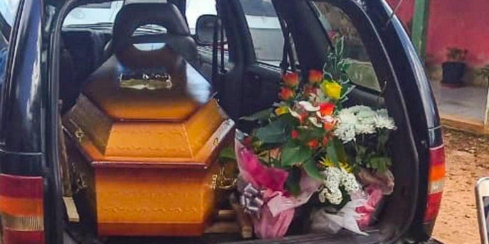 Bebês mortos são trocados e caso vem à tona no enterro da mãe em Chapecó
