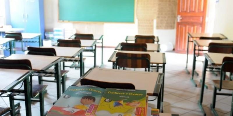 Mais de 800 professores efetivos serão chamados para escolas de SC