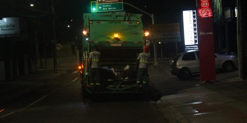 É falsa a informação que caminhão da coleta de lixo foi roubado durante assalto ao Banco do Brasil