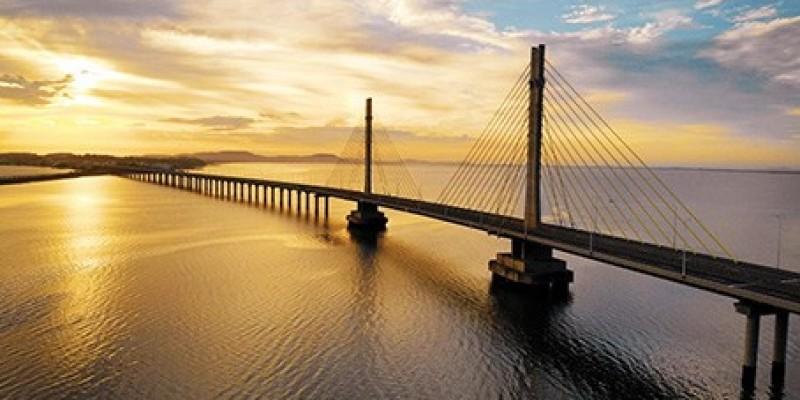 Iniciam testes de iluminação em ponte de Laguna