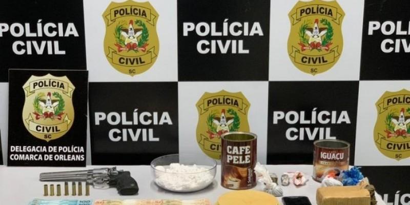 Polícia Civil de Orleans prende dupla por tráfico e associação para o tráfico