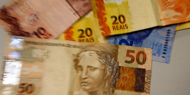 Brasileiros estimam inflação de 5,3% nos próximos 12 meses