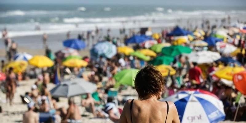 Covid-19: SC volta a fechar shoppings, praias e ônibus; veja o que muda