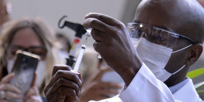 Novas doses da vacina da Índia já estão na Fiocruz