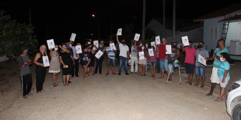 Reurb: 40 escrituras são entregues a moradores de Braço do Norte