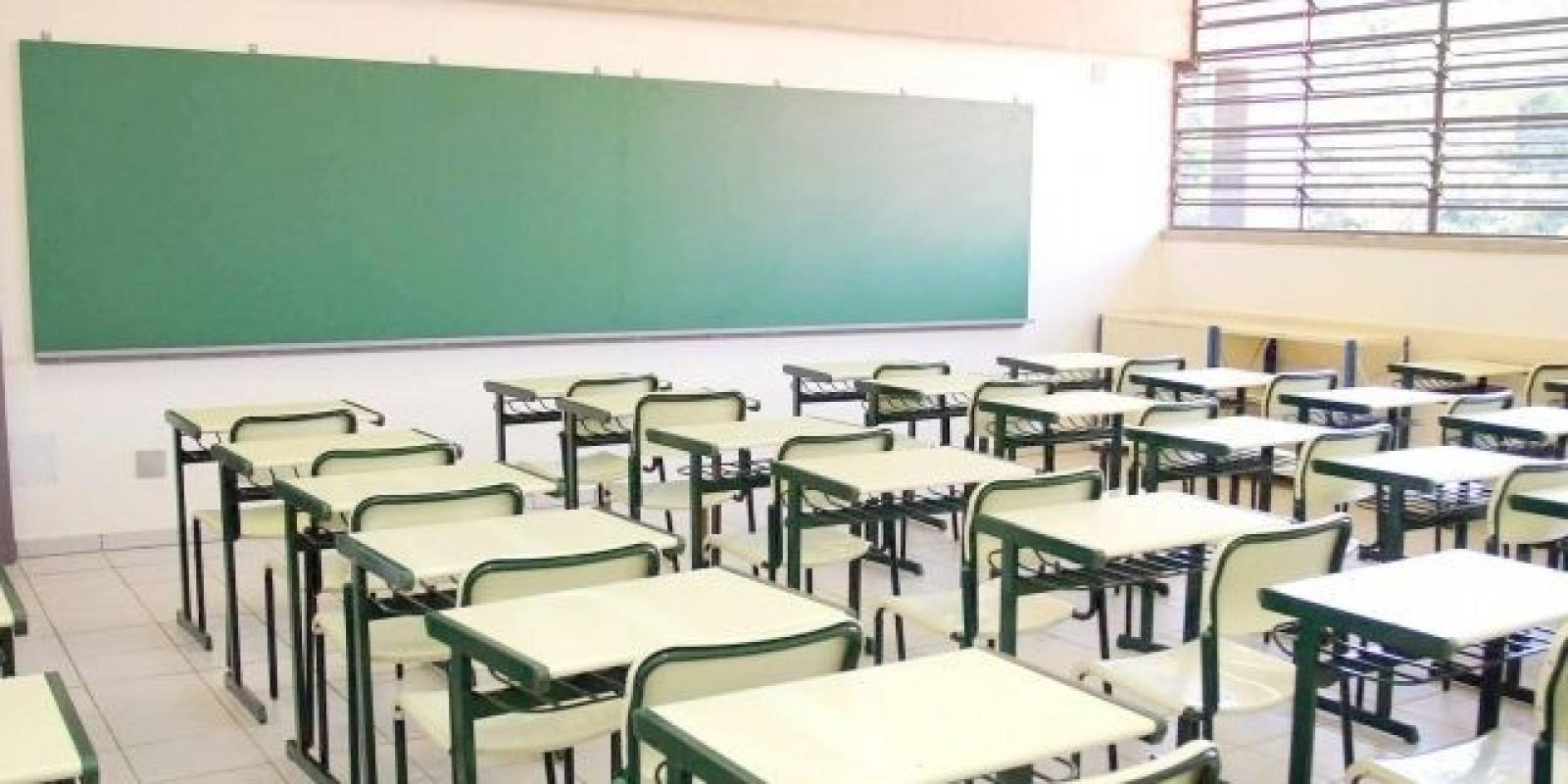 Dois municípios terão aulas remotas a partir de hoje