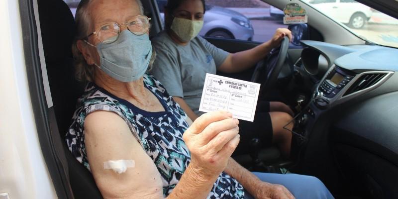 Idosos de São Ludgero entre 85 e 89 anos estão recebendo a vacina contra Covid-19