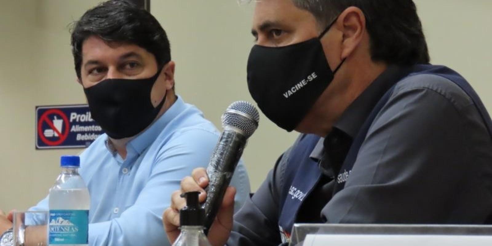 Secretário de Saúde de SC assina carta que pede duras restrições no país