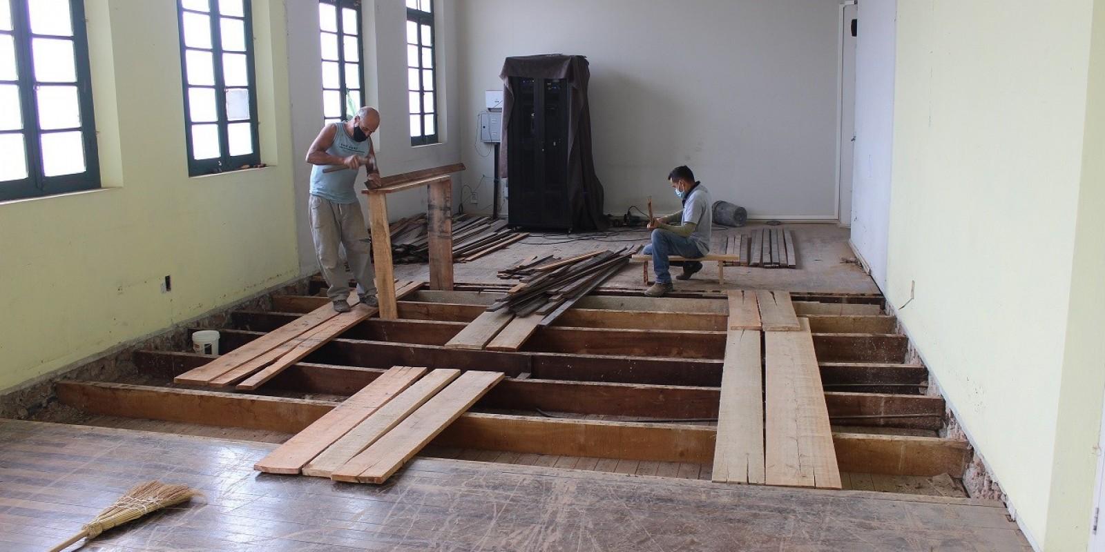Melhorias continuam sendo realizadas no prédio histórico da Prefeitura de São Ludgero