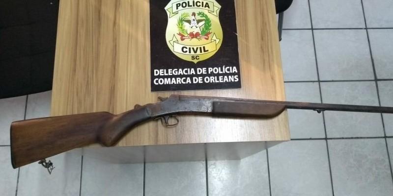 Polícia Civil de Orleans apreende espingarda calibre 32 sem registro