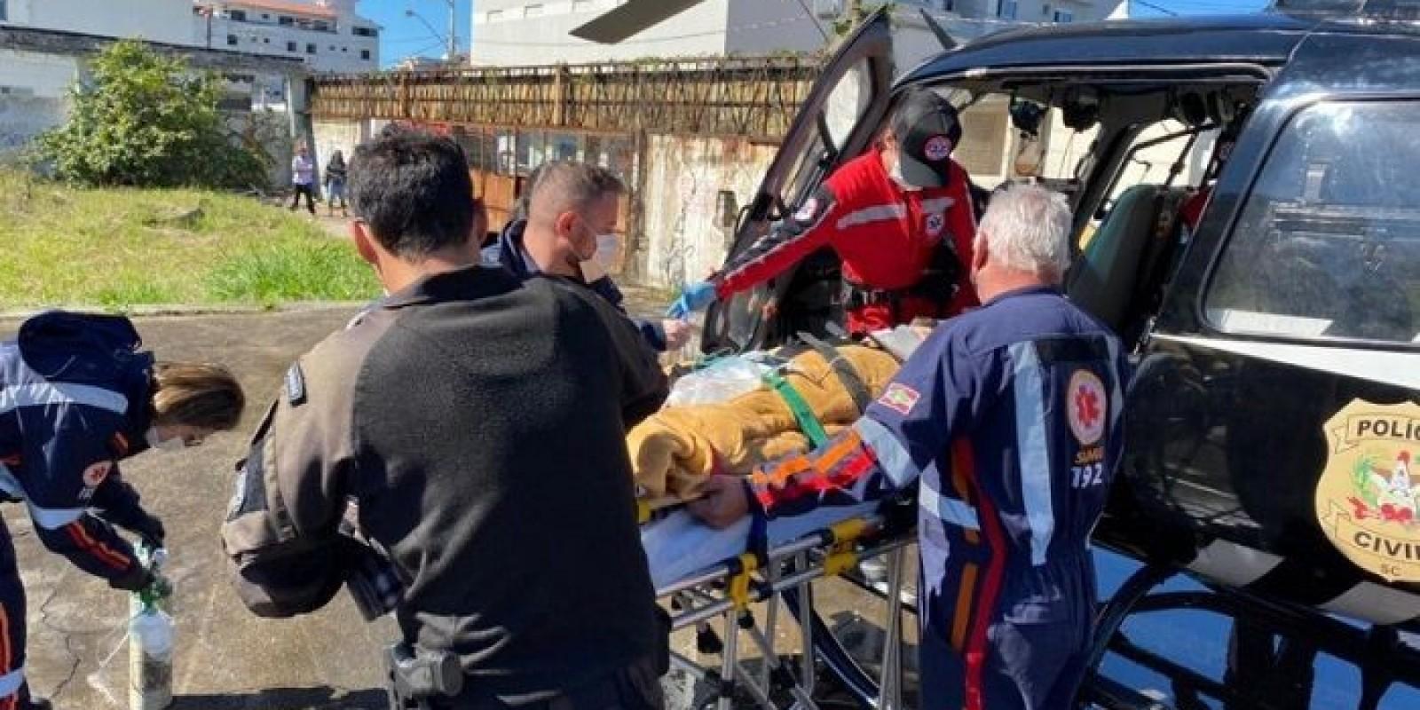 Criança de 6 anos cai de trator e acaba atropelada em Rio Fortuna