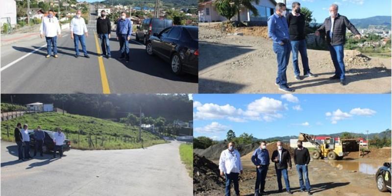 Prefeito e Secretário de Santo Amaro da Imperatriz conhecem forma inovadora de realizar pavimentações de São Ludgero