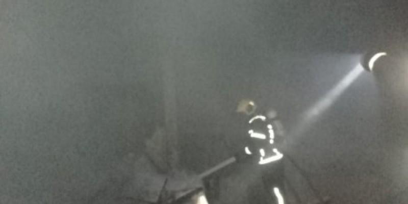 Bombeiros combatem incêndio de grandes proporções em Orleans