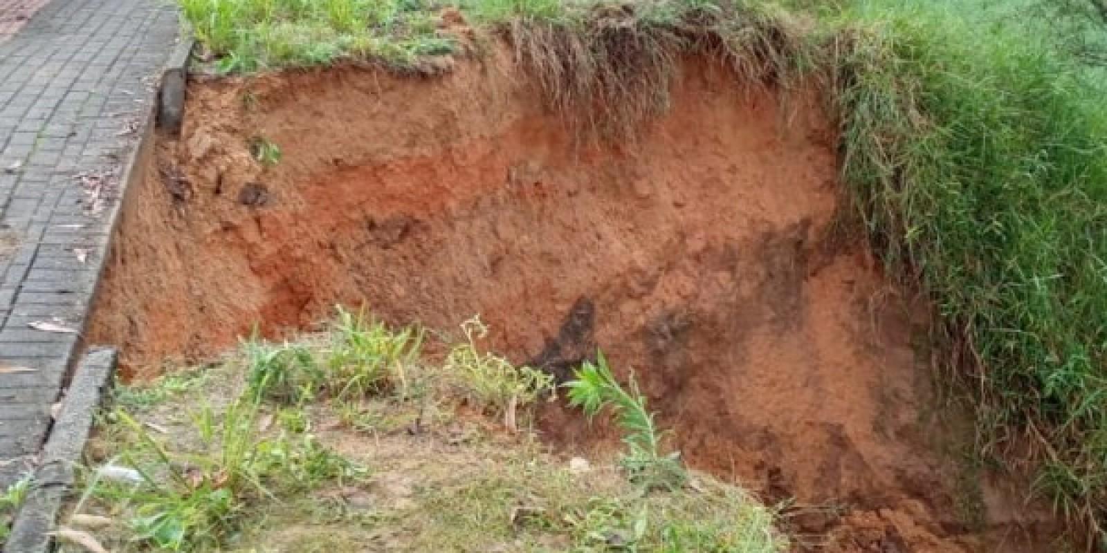 SL: Secretaria de Obras recupera drenagem que gerou desmoronamento no bairro Divina Providência