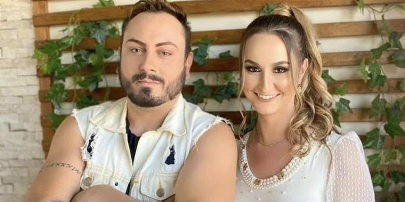Dupla Léo Marques e Bia lançam novo clipe