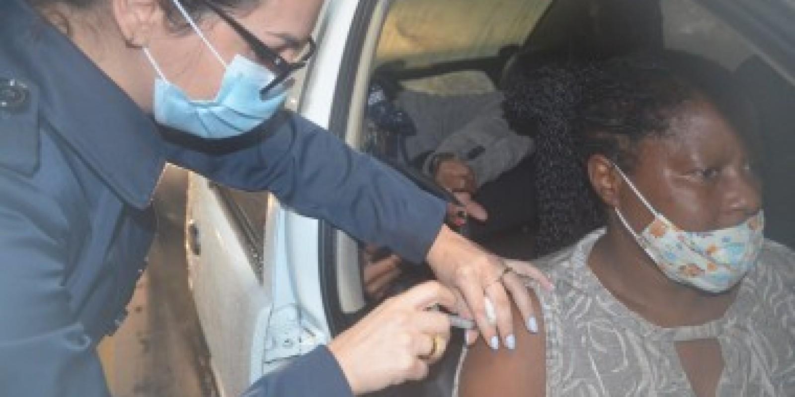 Mais de 1,5 mil pessoas foram imunizadas nesta quarta-feira (09)