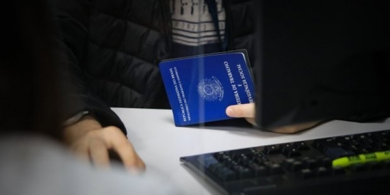 SC tem mais de 6,5 mil vagas de emprego com carteira assinada