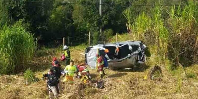 Uma pessoa morre e outras quatro ficam feridas em acidente