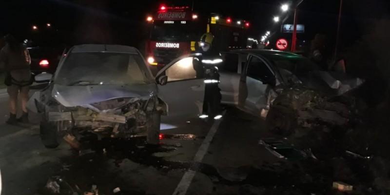 Motorista de 37 anos morre após colisão frontal na SC-434