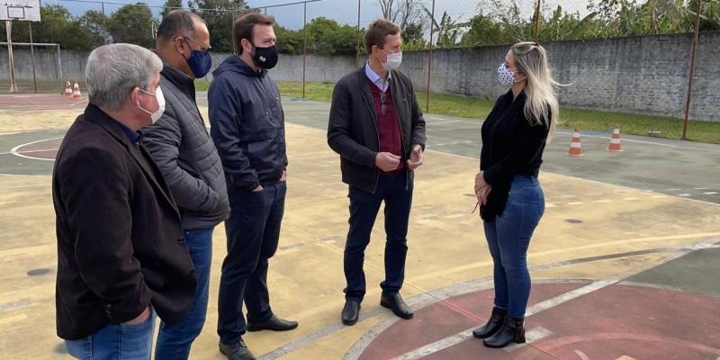 Weber visita escolas estaduais em Imbituba