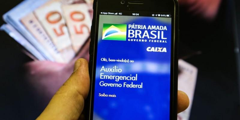 Trabalhadores nascidos em outubro podem sacar auxílio emergencial