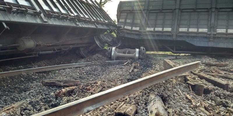 Após descarrilamento de vagões, FTC finaliza trabalhos de recomposição de linha férrea