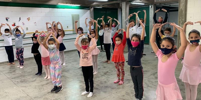 Aulas de balé são retomadas na rede municipal de Tubarão