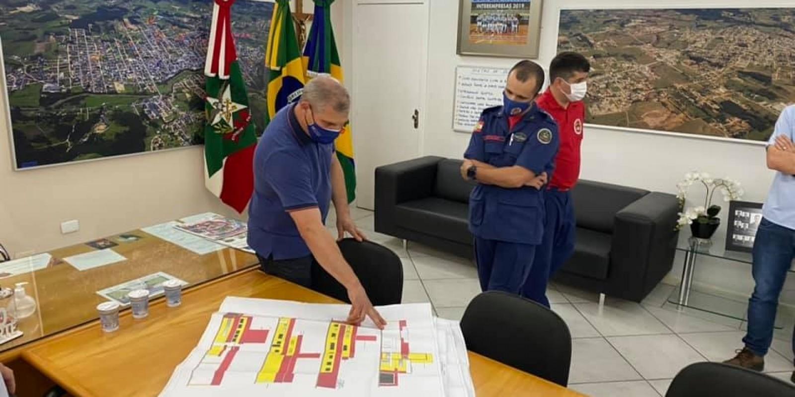Ordem de serviço para segunda etapa da sede dos Bombeiros é assinada