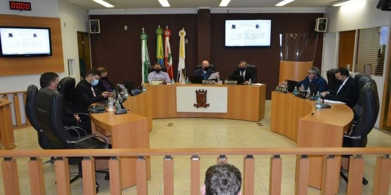 """Vereadores de Urussanga votam amanhã instalação de """"CPI"""" que pode cassar prefeito"""