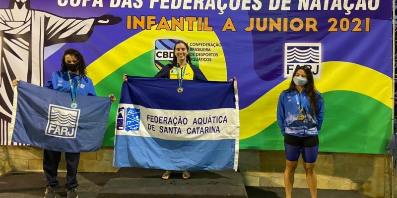 Nadadores de Tubarão garantem medalhas na Copa das Federações