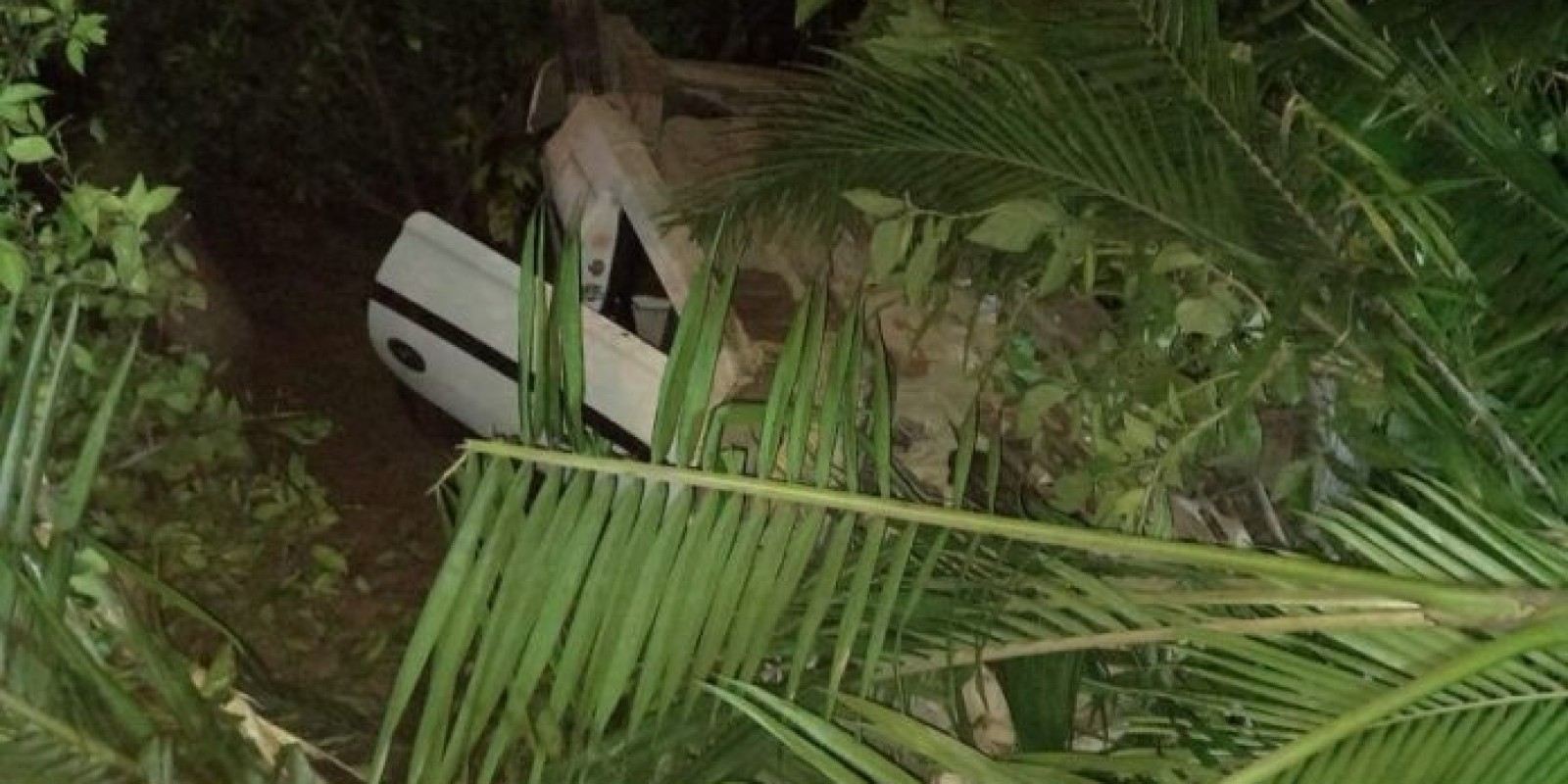 Quatro pessoas ficam feridas em acidente na SC-108 em Cocal do Sul