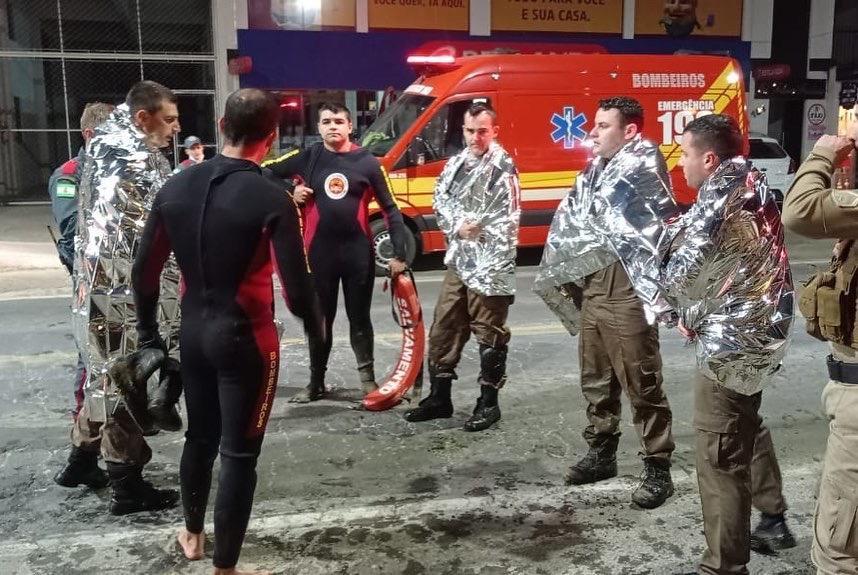 Policiais e bombeiros salvam mulher de afogamento em São Ludgero