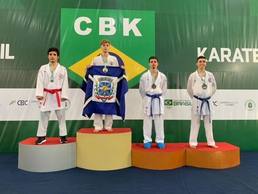 Tubaronenses garantem mais sete medalhas no Campeonato Brasileiro de Karatê